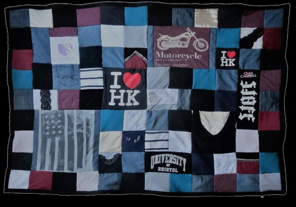 Cadeau d'anniversaire 30 ans : Un projet collectif, ce paid personnalisé en patchwork est créé avec les vêtements de plusieurs membres de la famille et des amis