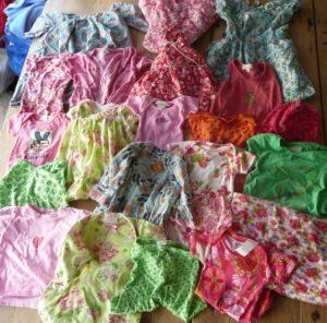 Des habits sélectionné par la maman de Sienna pour son plaid personnalisé