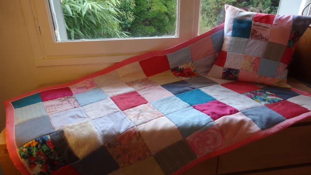 Cadeau de naissance : Petite couverture personnalisé en patchwork