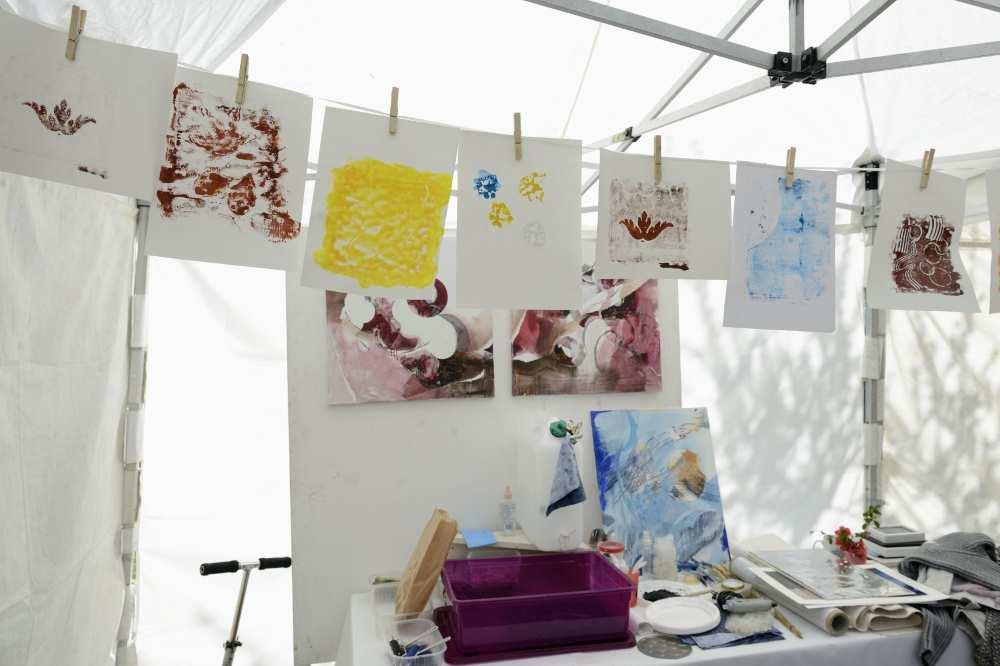 Les ateliers impression selon la technique du monotype chez Repatchit pendant les JEMA 2017, animés par Christine Orihuela (www.bien-etre-creativite.fr). Photo : twelve-photography.fr