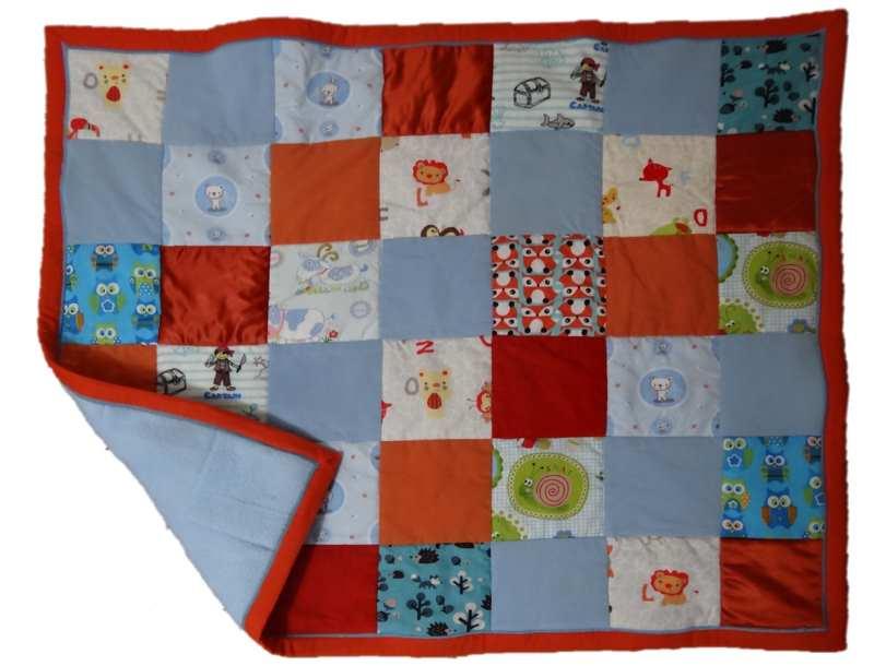 Pour faire plaisir aux parents et au bébé , une toute petite couverture en cadeau de naissance