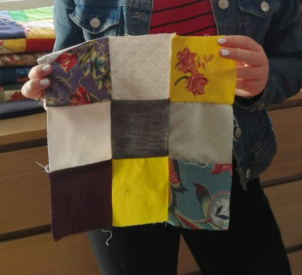 Patchwork créé par un visiteur JEMA, avec des textiles recyclés