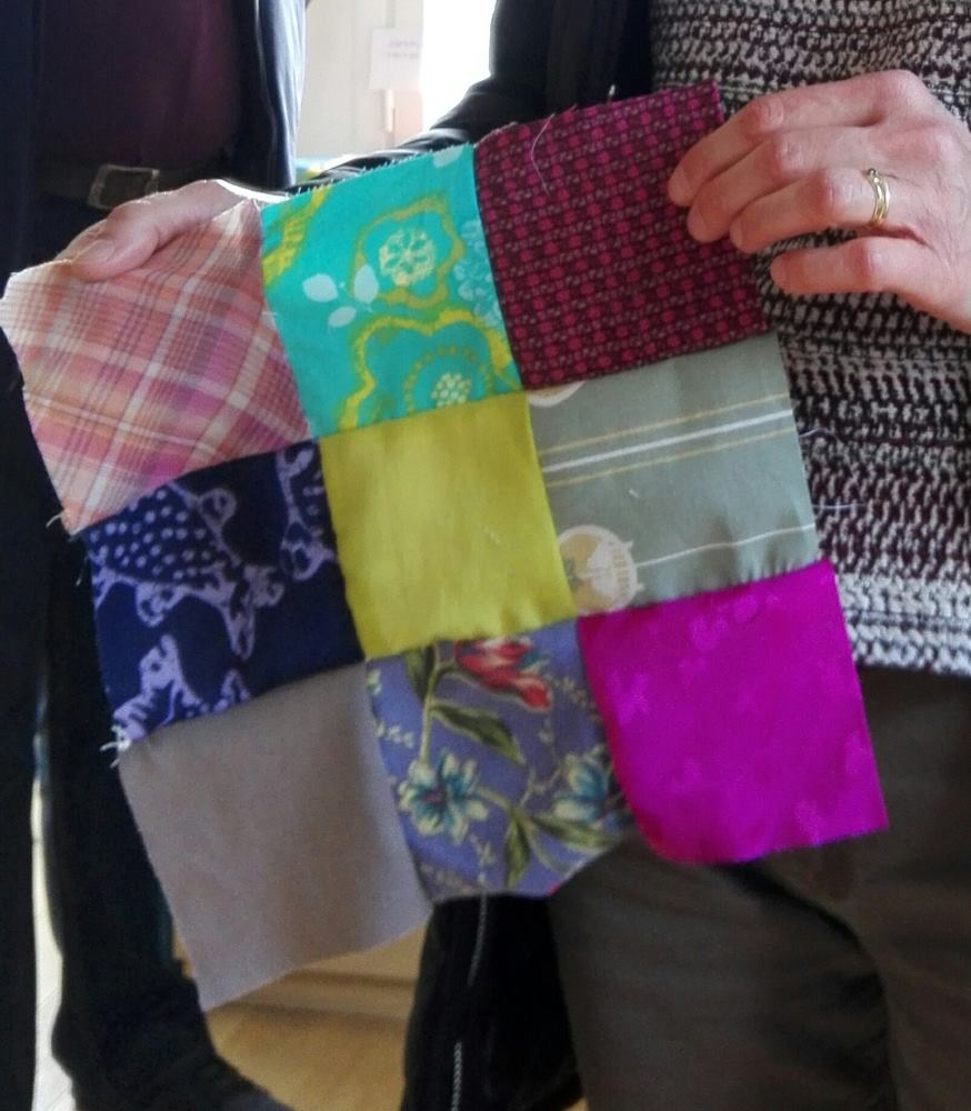 Violet, vert, bleu, quand on s'amuse avec le patchwork, on associe les couleurs comme on veut!